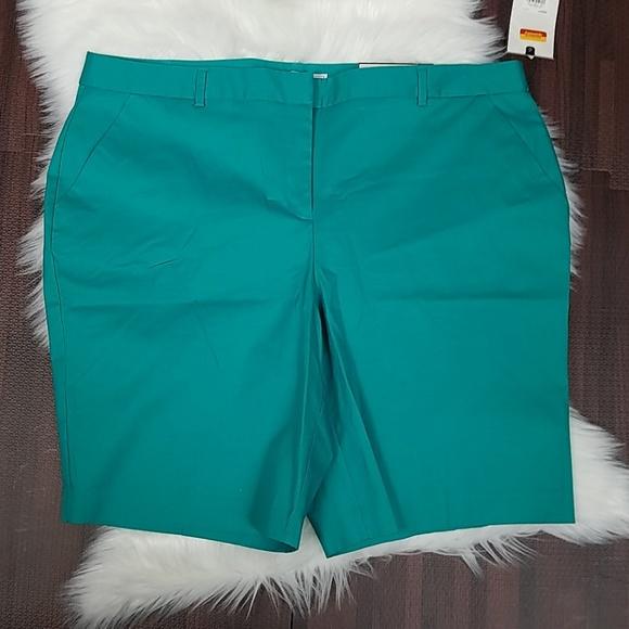 Dana Buchman Pants - NWT Plus Size Bermuda Shorts by Dana Buchman